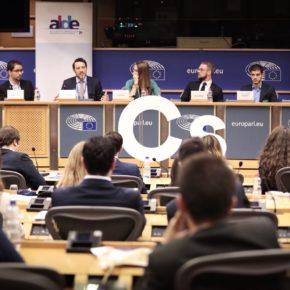 """Melisa Rodríguez ´El campus de Bruselas contribuye a reforzar el europeísmo y los valores de la Unión Europea entre nuestros jóvenes"""""""