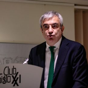 """Luis Garicano, en el Club Siglo XXI: """"Debemos conseguir que el PSOE pare los pies a la deriva de Sánchez"""""""