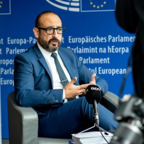 Ciudadanos denuncia en Bruselas la discriminación sectaria en Cataluña de Policía Nacional y Guardia Civil en la campaña de vacunación