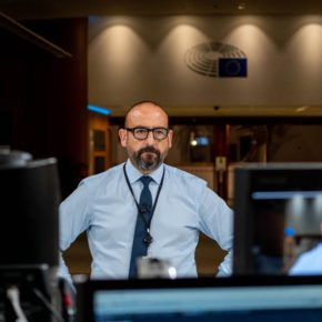 Ciudadanos denuncia en Bruselas la falta de protección de los usuarios de plataformas en línea ante las nuevas evidencias de prácticas abusivas por parte de Facebook